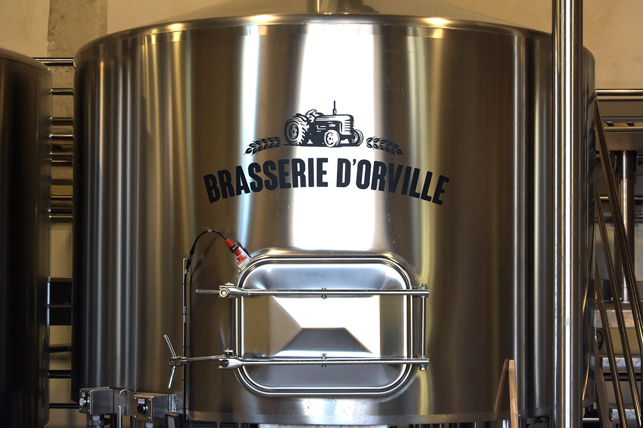 http://brasseriedorville.com/wp-content/uploads/2018/06/Orville_brasserie-3-1280x853.jpg